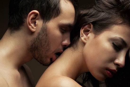 Как показать ему в сексе, что больше всего нравится