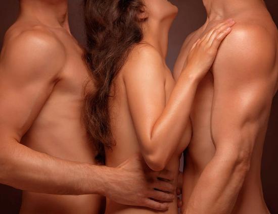 Какие ощущения испытывает женщина при двойном проникновении