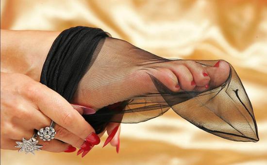 Босиком женщины пяточки бастинадо фото видео