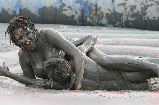 Секс в грязи – новое мировое увлечение
