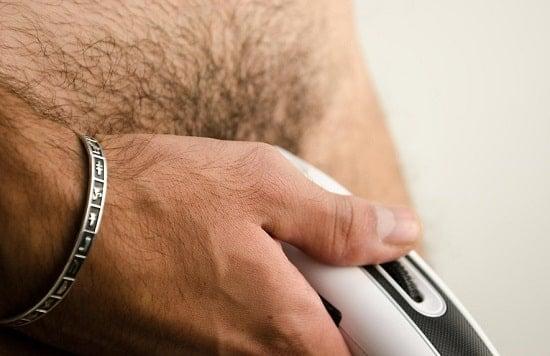 Как правильно брить мошонку?