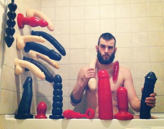 Фистинг и большие игрушки, порево лезбиянки подружки хотят в мете мострубирывать