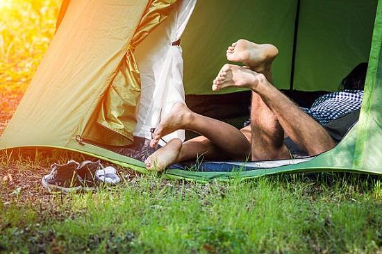 10 лучших поз для секса в палатке