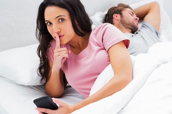 Почему женщины изменяют мужьям? 5 главных причин