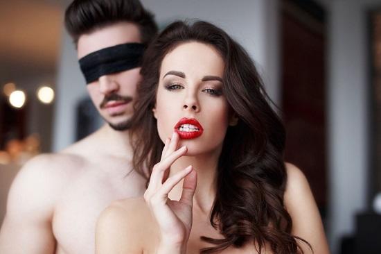 Секс с закрытыми глазами