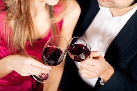 Выпить алкоголь перед анальным сексом