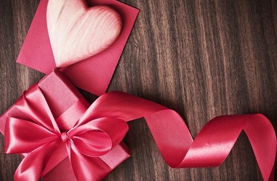 10 лучших подарков для нее на 14 февраля из секс-шопа