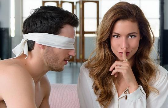 Занятия сексом с завязанными глазами