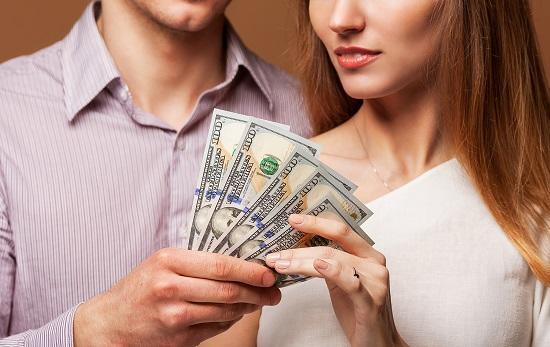Как связаны деньги и секс в отношениях?